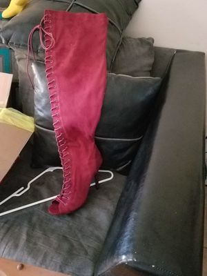 Thigh high size boots. for Sale in St. Louis, MO
