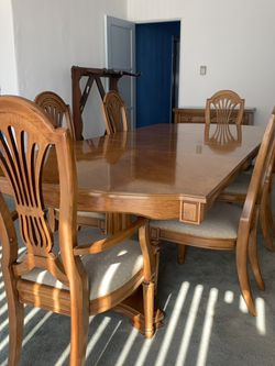 Vintage Thomasville Solid Wood Dining Set for Sale in Long Beach,  CA