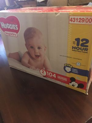 Huggies snug and dry size 2 104 Count for Sale in Phoenix, AZ