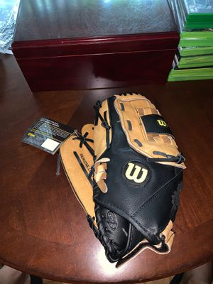 Wilson Left Handed Glove for Sale in Reston, VA