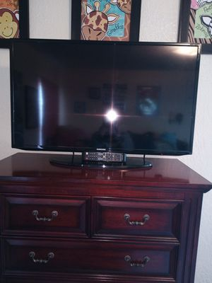 Samsung smart TV 32 inch for Sale in Tacoma, WA