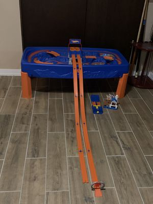 Hot wheels tracks table for Sale in Buffalo, NY
