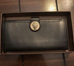 Gucci wallet for Sale in Pompano Beach, FL
