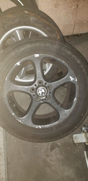 Vendo 4 rines para 2002 bmw x5 3.0i...I sell 4 rims for 2002 bmw x5 3.0i for Sale in South Gate, CA