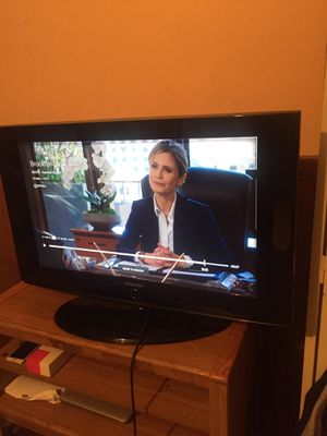 32 inch tv for Sale in College Park, GA