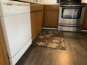 Whirlpool Dish washer for Sale in Everett, WA