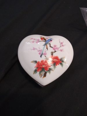 Japanese heart shaped Porcelain jewelry box for Sale in Tampa, FL