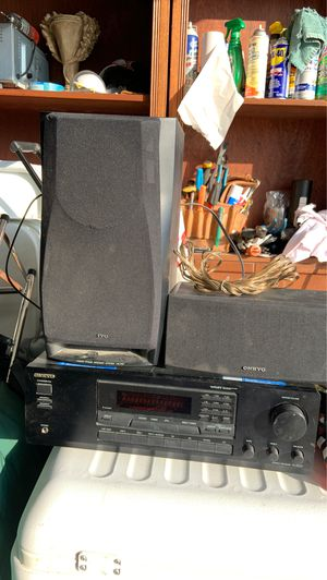 Onkyo Amplifier with two speakers for Sale in Pumpkin Center, CA