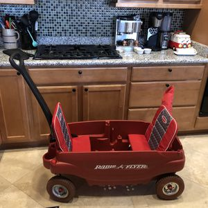 Radio flyer pneumatic tire double wagon with shade for Sale in Las Vegas, NV