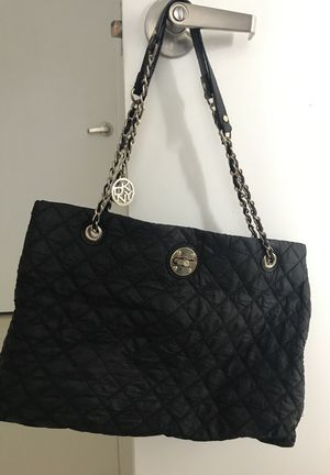 Black DKNY Purse. Water Resistant Fabric. Good Condition for Sale in Miami, FL