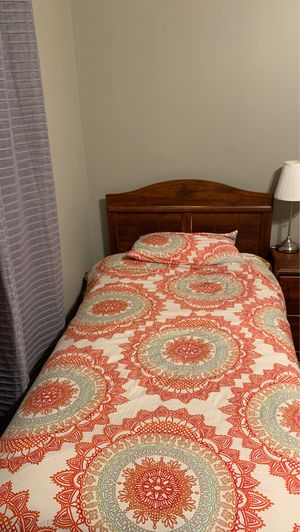 two twin beds for Sale in Sterling Heights, MI