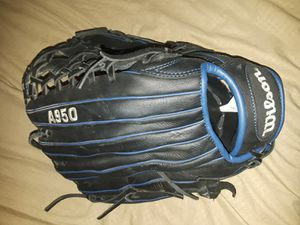 New Wilson Softball Glove for Sale in Moreno Valley, CA