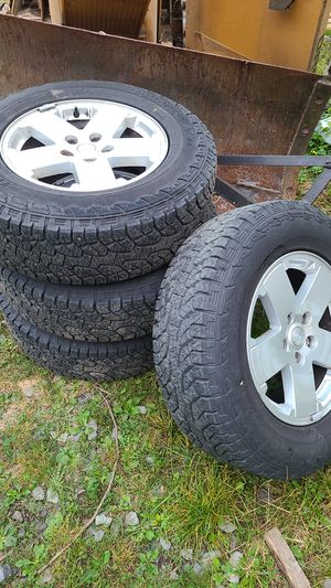 Jeep tires and wheels 90% for Sale in Lake Stevens, WA