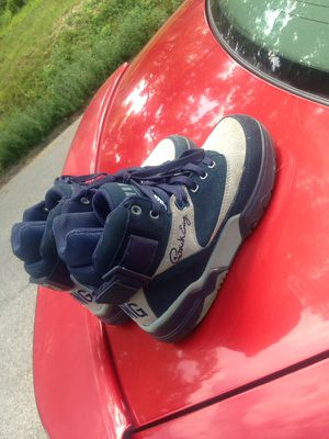 Cool grey Patrick Ewing Size 7 for Sale in St. Louis, MO