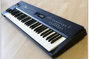 Yamaha SY-35 Vintage Synth for Sale in Arlington, TX