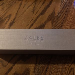 Zales Diamond Bracket for Sale in Pittsburgh, PA
