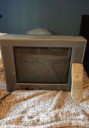 Toshiba tv with controller for Sale in North Bend, WA