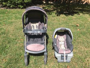 Graco clinic connect stroller with car seat and base for Sale in Fairfax, VA
