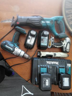 Makita drill,saw and screwdriver all wireless re chargable for Sale in Everett, WA