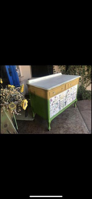 Antique Vintage Dresser with Wildflowers and Hummingbirds for Sale in Gilbert, AZ