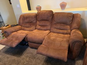 Reclining sofa and loveseat for Sale in Peoria, AZ