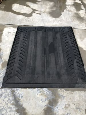 Cadillac Escalade bed mat for Sale in Mulberry, FL