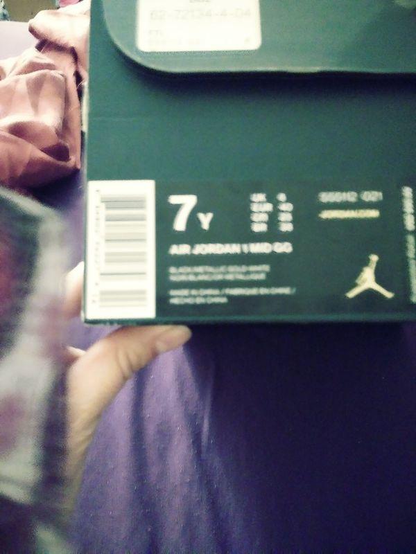 Jordans size 7