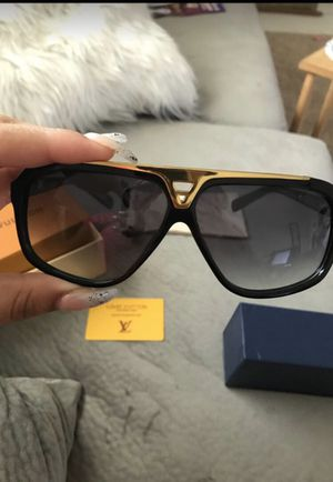 Louis Vuitton Sunglasses new!! for Sale in Bowie, MD