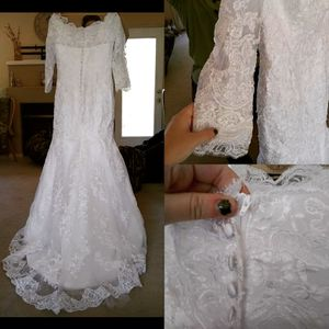 Wedding dress. Unused. No alterations. for Sale in Sumner, WA