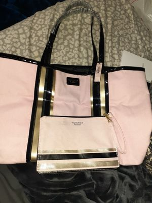 New Victoria secret tote and makeup bag for Sale in Beverly, MA
