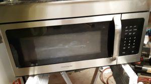 Frigidaire microwave under cupboard mount for Sale in Billings, MT
