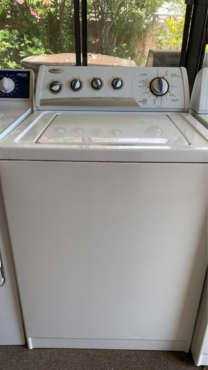 Whirlpool Washer and Gas Dryer Set for Sale in Las Vegas, NV