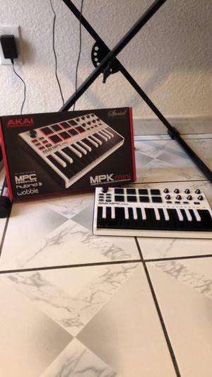 Midi keyboard for Sale in Fontana, CA