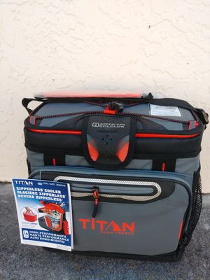 New TITAN zipperless cooler for Sale in Fort Myers, FL