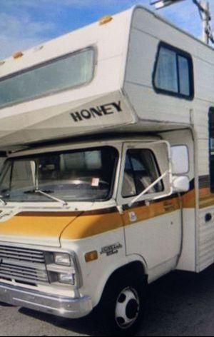 Motorhome honey $8,000 for Sale in El Paso, TX