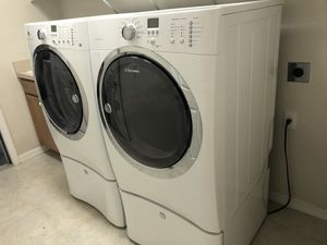 Gas Electrolux washer and dryer. for Sale in Dunedin, FL