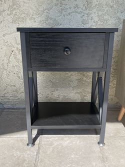 Night Stand for Sale in Fresno,  CA