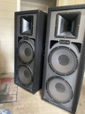 Pro studio speakers and Also with digital audio player for Sale in Greensboro, NC