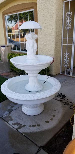 Concrete fountain/fuente de concreto for Sale in North Las Vegas, NV