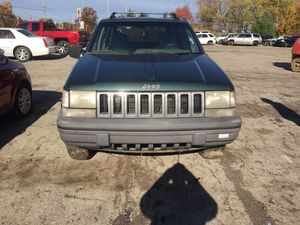Parting out 1994 Jeep Grand Cherokee 4x4 for Sale in New Castle, PA