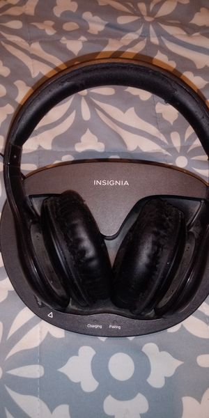 Insignia wireless headphones for Sale in Hanford, CA
