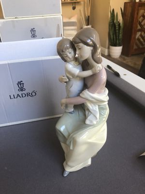 """A Mother's Love"" lladro figurine for Sale in Laguna Niguel, CA"