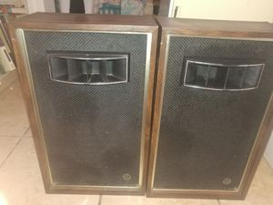 Vintage Set of Bookshelf Air Suspension Audio speakers for Sale in Salt Lake City, UT