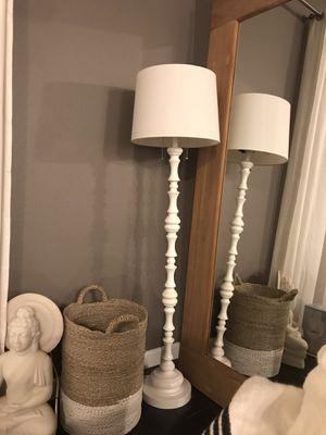 White Floor Lamp for Sale in Las Vegas, NV