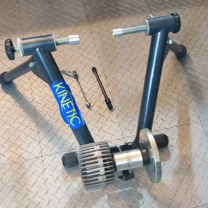 Kurt Kinetic Bicycle Trainer for Sale in Kirkland, WA