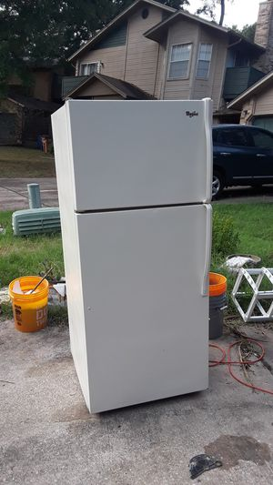 Whirlpool refrigerator fridge and freezer combo over under for Sale in Austin, TX