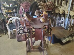 C.vega ranch/roping saddle for Sale in Eagle Point, OR
