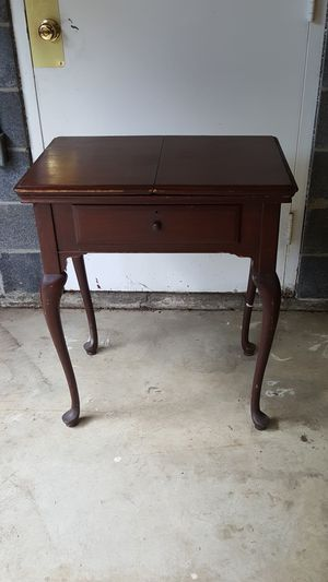 ANTIQUE SEWING TABLE for Sale in Arlington, VA