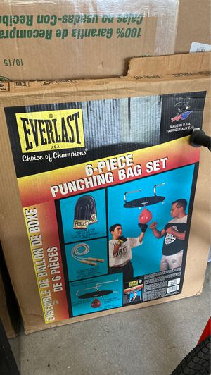 Everlast Punching Bag Set for Sale in Tacoma, WA