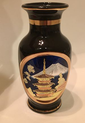 Small Japanese Art of Chokin vase gilded with 24 karat gold paint for Sale in Murfreesboro, TN